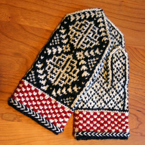 Chrysanthemum Mittens, knit in Dale of Norway sport weight yarn, a free knitting pattern by Mary Ann Stephens