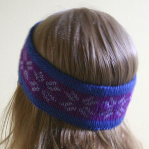 Nordic Headband Knitting Pattern : Two Strands Headband, a free knitting pattern Two Strands