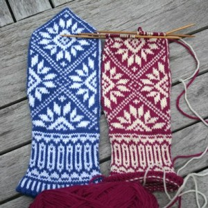 Zinnia mittens knit in Dale of Norway Baby Ull yarn, Mary Ann Stephens 2011