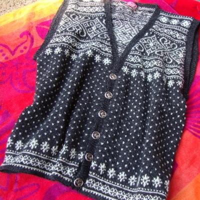 Sirdal Vest in Heilo yarn