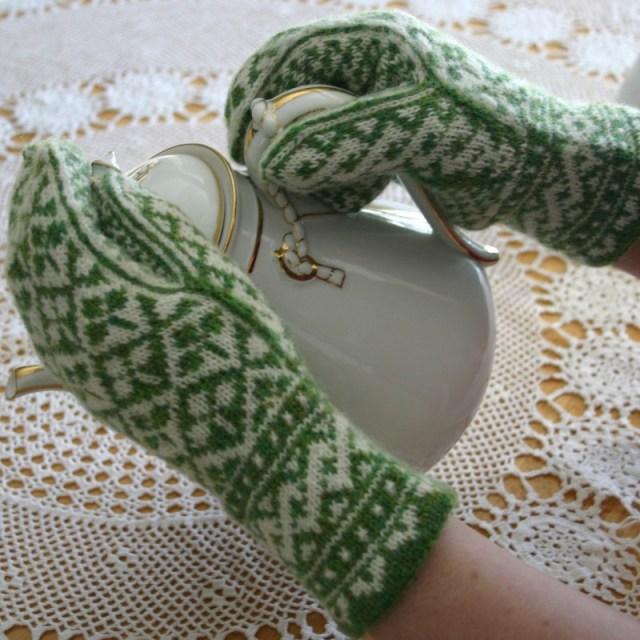 shamrock mittens