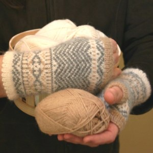fingerless mittens in alpaca yarn