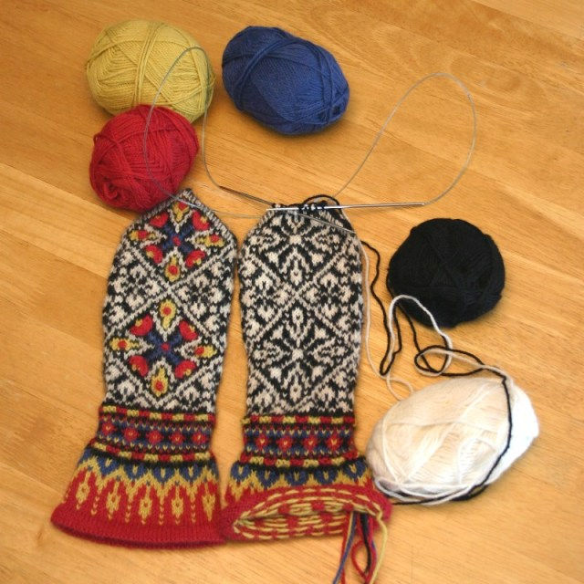 Mittens knit in Magic Loop technique