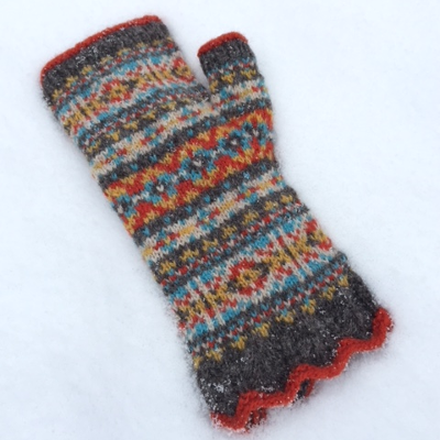 Calling Scotland fingerless mittens