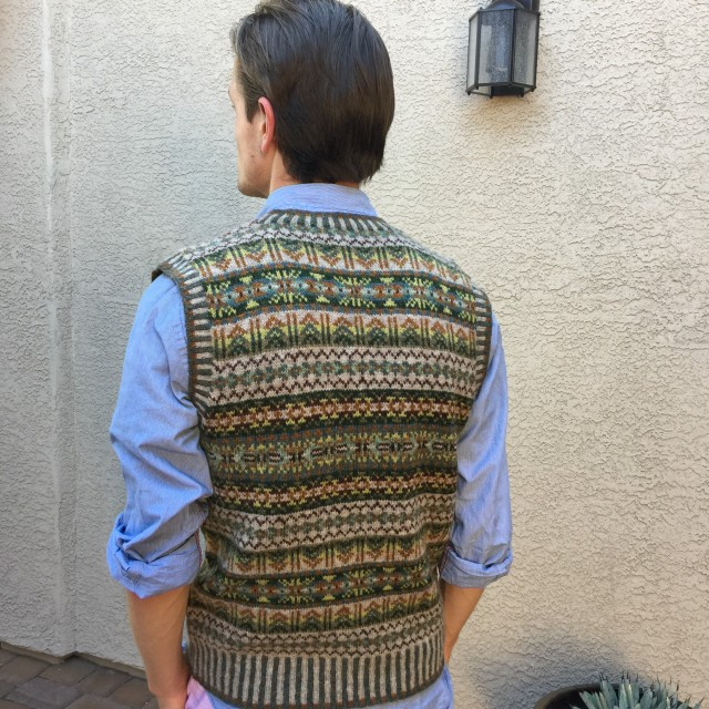 canyon-wall-vest-back